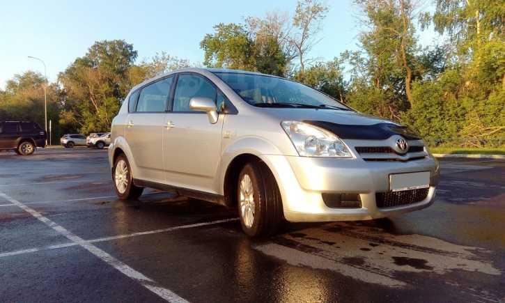 Toyota Corolla Verso, 2005 год, 438 000 руб.
