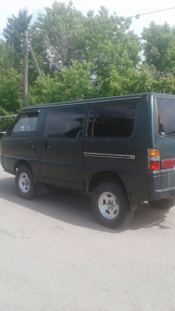 Mitsubishi Delica, 1989 год, 205 000 руб.