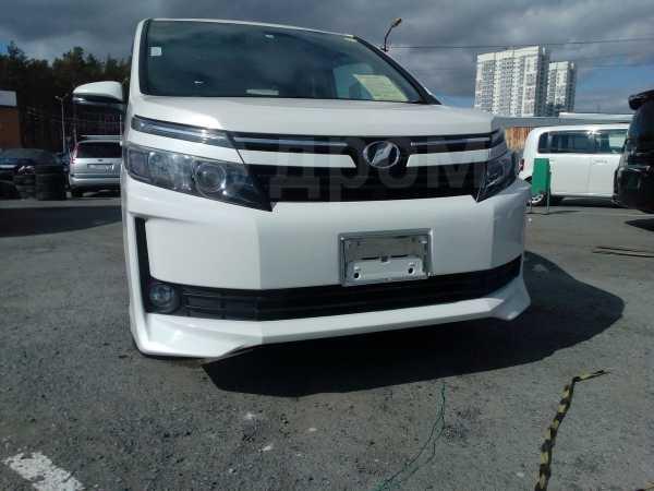 Toyota Voxy, 2015 год, 1 209 000 руб.
