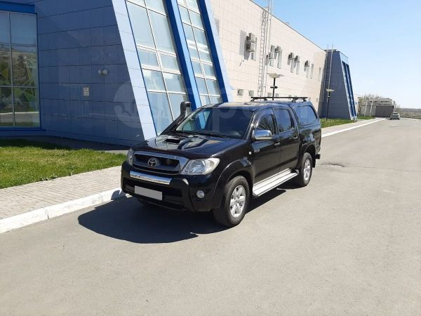 Toyota Hilux Pick Up, 2010 год, 1 097 000 руб.