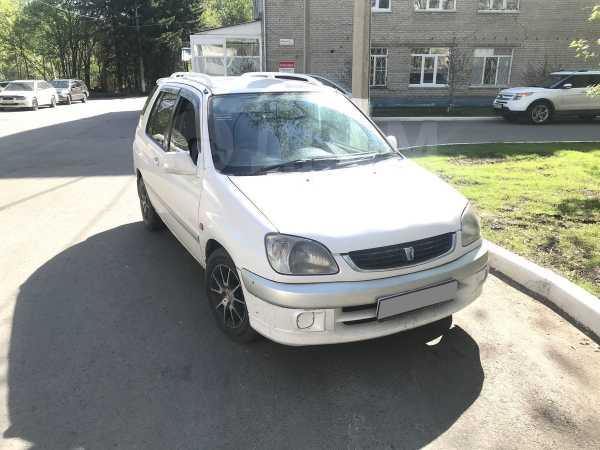 Toyota Raum, 2000 год, 195 000 руб.