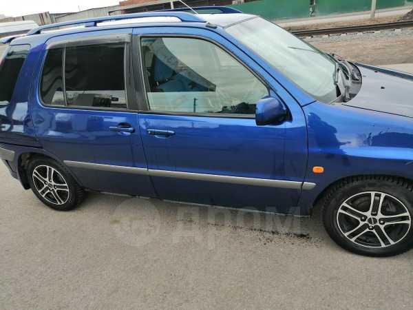 Toyota Raum, 2001 год, 195 000 руб.