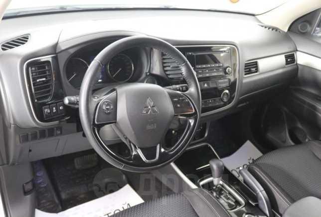Mitsubishi Outlander, 2017 год, 1 210 000 руб.