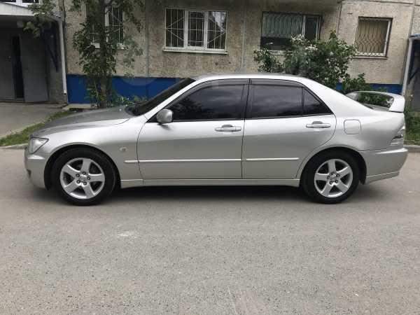 Toyota Altezza, 2003 год, 330 000 руб.