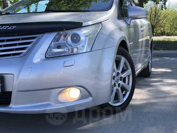 Toyota Avensis, 2010 год, 655 000 руб.