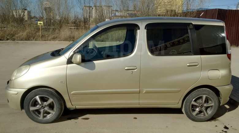 Toyota Funcargo, 2005 год, 305 000 руб.