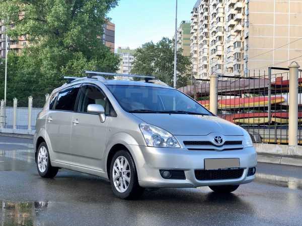 Toyota Corolla Verso, 2005 год, 450 000 руб.