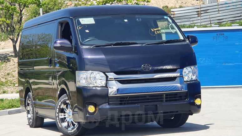 Toyota Hiace, 2017 год, 2 300 000 руб.