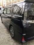 Toyota Voxy, 2014 год, 1 400 000 руб.