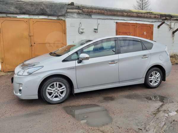 Toyota Prius, 2011 год, 715 000 руб.