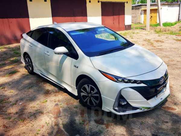 Toyota Prius PHV, 2017 год, 1 755 000 руб.