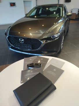 Омск Mazda3 2019