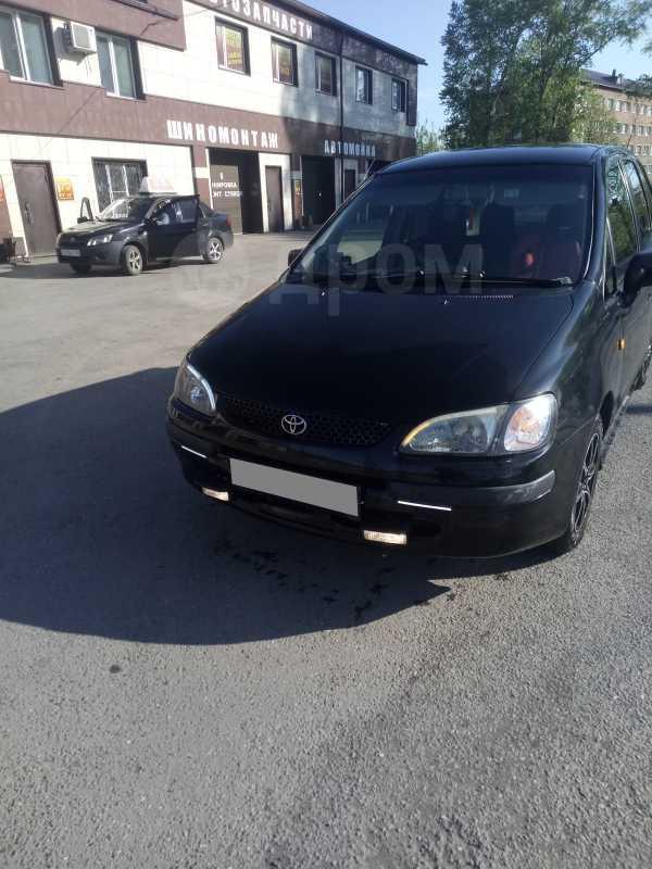 Toyota Corolla Spacio, 1999 год, 210 000 руб.