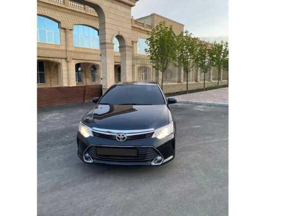 Toyota Camry, 2015 год, 950 000 руб.