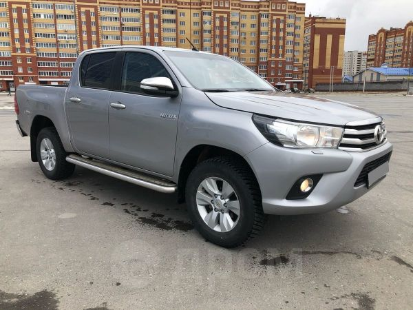 Toyota Hilux Pick Up, 2015 год, 1 490 000 руб.