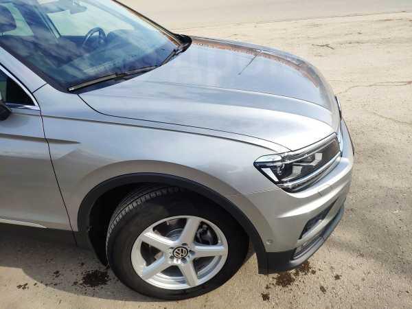 Volkswagen Tiguan, 2018 год, 1 800 000 руб.