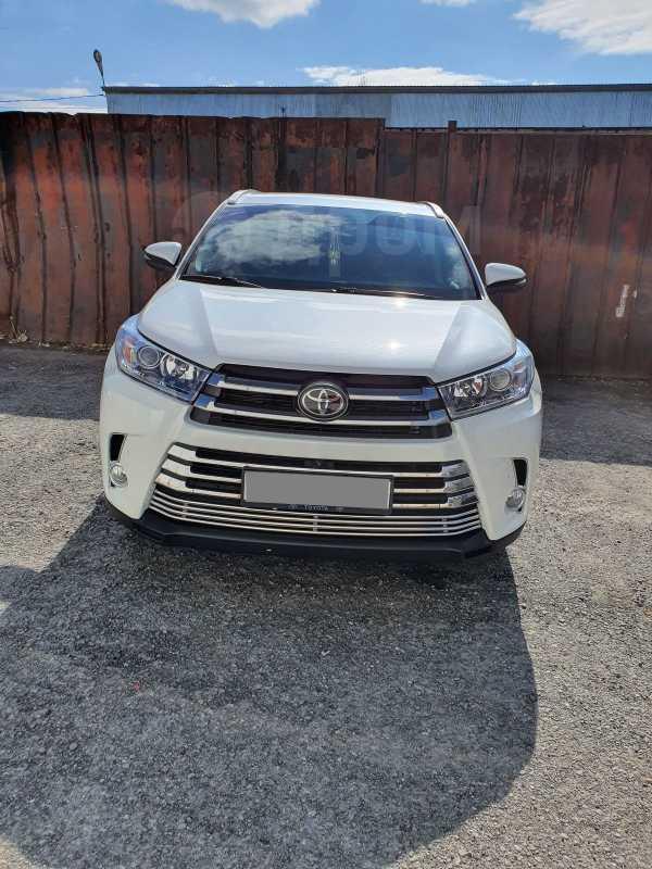 Toyota Highlander, 2018 год, 3 525 000 руб.
