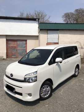 Находка Toyota Voxy 2011