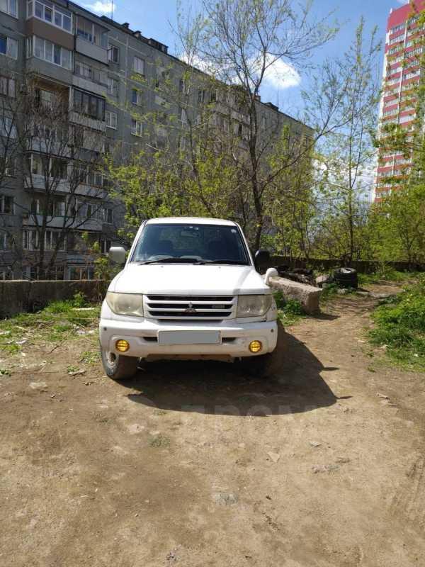 Mitsubishi Pajero iO, 2002 год, 230 000 руб.
