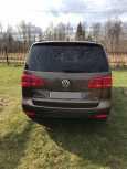Volkswagen Touran, 2012 год, 765 000 руб.