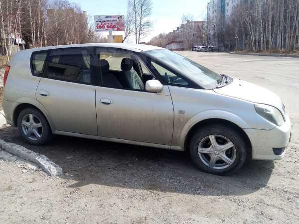 Toyota Opa, 2001 год, 310 000 руб.