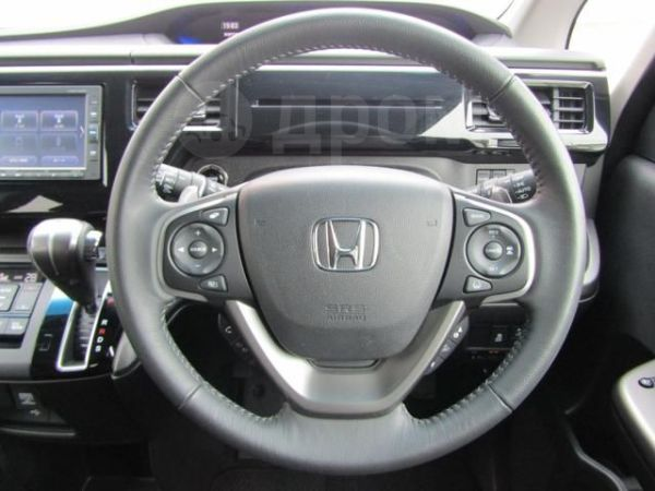 Honda Stepwgn, 2018 год, 799 000 руб.