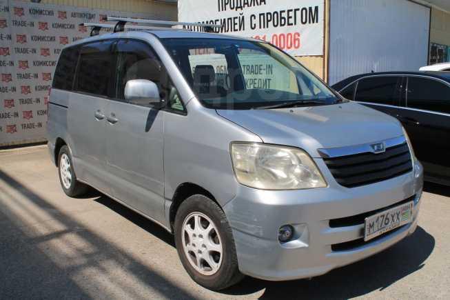Toyota Noah, 2002 год, 225 000 руб.