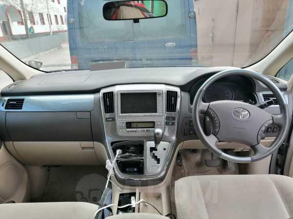 Toyota Alphard, 2007 год, 750 000 руб.