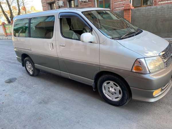Toyota Grand Hiace, 2001 год, 735 000 руб.