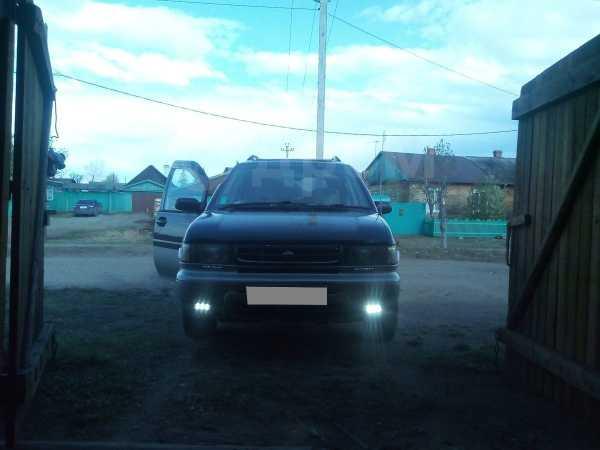 Nissan Prairie Joy, 1996 год, 165 000 руб.