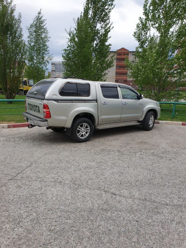Toyota Hilux Pick Up, 2012 год, 1 750 000 руб.