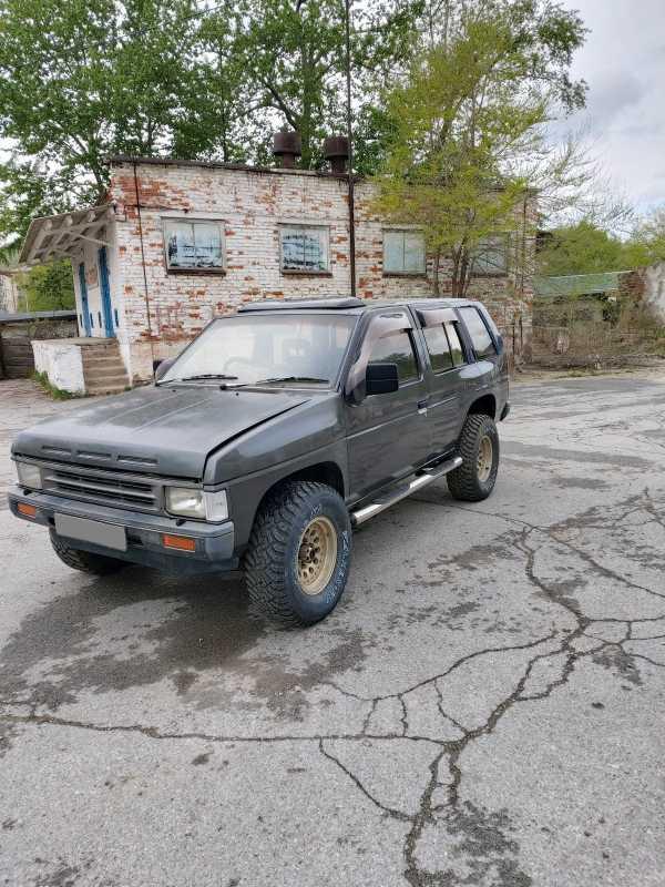 Nissan Terrano, 1989 год, 220 000 руб.