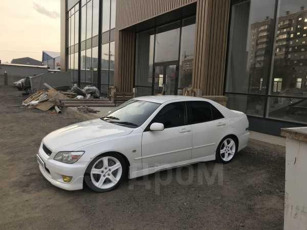 Toyota Altezza, 2001 год, 270 000 руб.