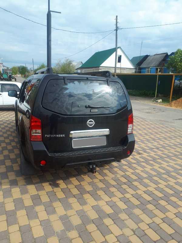 Nissan Pathfinder, 2010 год, 830 000 руб.