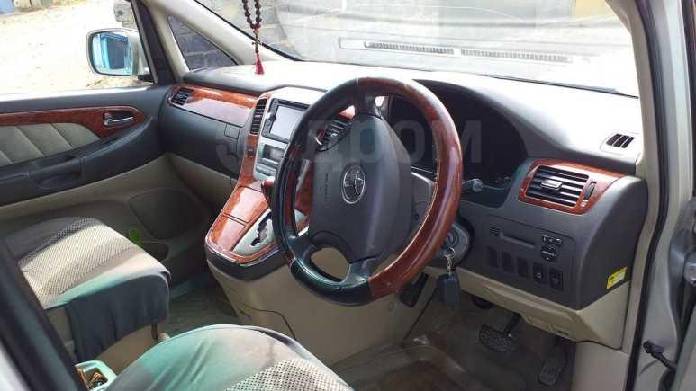 Toyota Alphard, 2003 год, 880 000 руб.