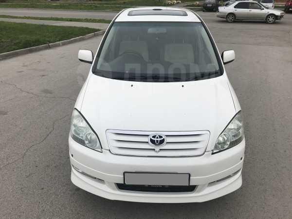 Toyota Ipsum, 2002 год, 545 000 руб.