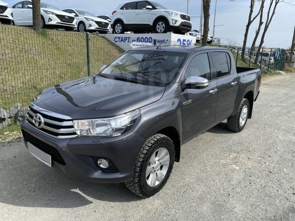 Toyota Hilux Pick Up, 2015 год, 1 890 000 руб.