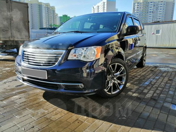Chrysler Town&Country, 2015 год, 1 650 000 руб.