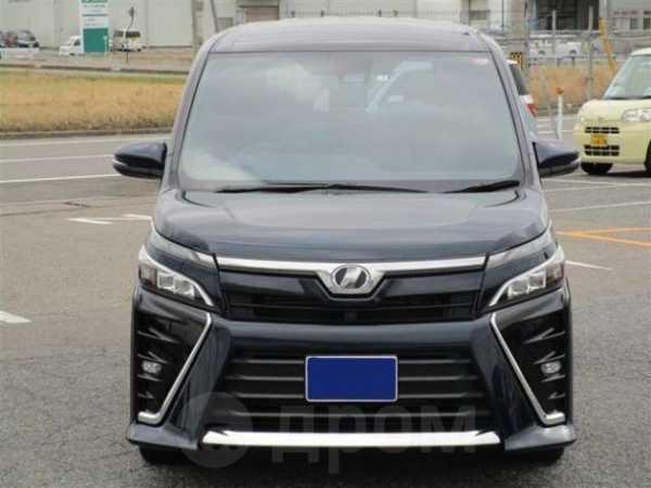 Toyota Voxy, 2018 год, 1 063 000 руб.