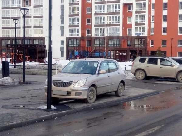 Toyota Duet, 2002 год, 159 000 руб.