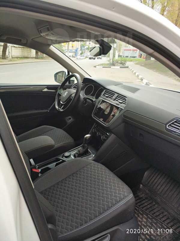Volkswagen Tiguan, 2018 год, 1 640 000 руб.