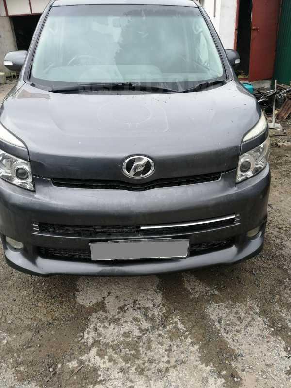 Toyota Voxy, 2007 год, 550 000 руб.