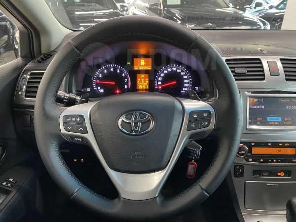 Toyota Avensis, 2011 год, 699 000 руб.