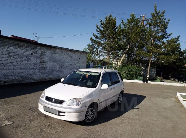 Toyota Raum, 2001 год, 240 000 руб.