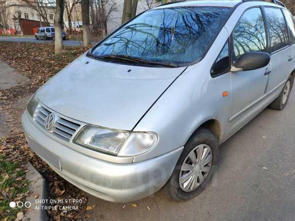 Volkswagen Sharan, 1996 год, 125 000 руб.