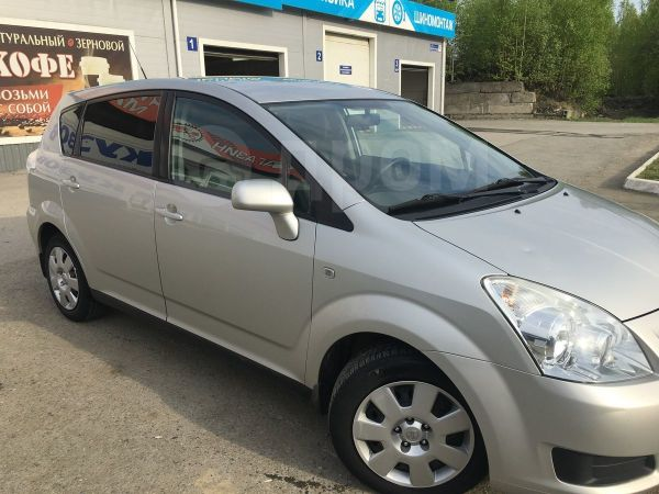 Toyota Corolla Verso, 2007 год, 535 000 руб.