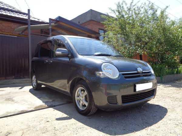 Toyota Sienta, 2011 год, 450 000 руб.