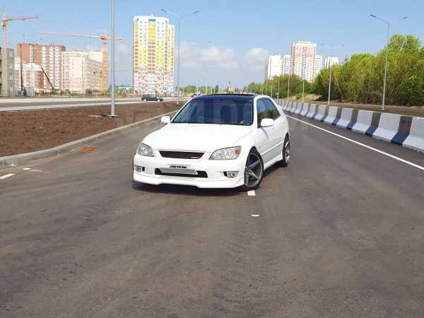 Toyota Altezza, 2001 год, 380 000 руб.