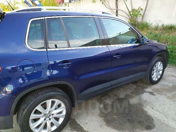 Volkswagen Tiguan, 2008 год, 560 000 руб.