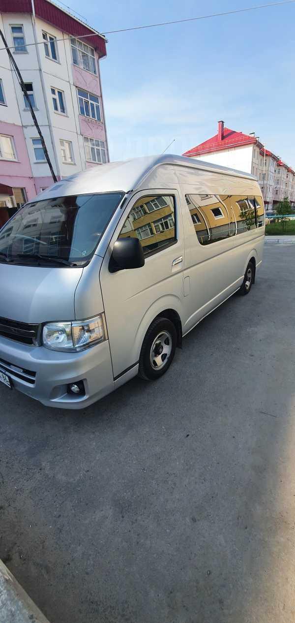 Toyota Hiace, 2011 год, 1 280 000 руб.